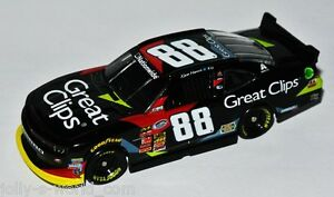 """2014 CHEVY CAMARO NNS NASCAR #88  """" GREAT CLIPS """" Kevin Harvick - 1:64 Lionel"""