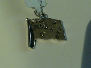 Fashion Jewelry Sterling Silver Australian Flag Charm/pendant New Rrp $30 To Clear Out Annoyance And Quench Thirst