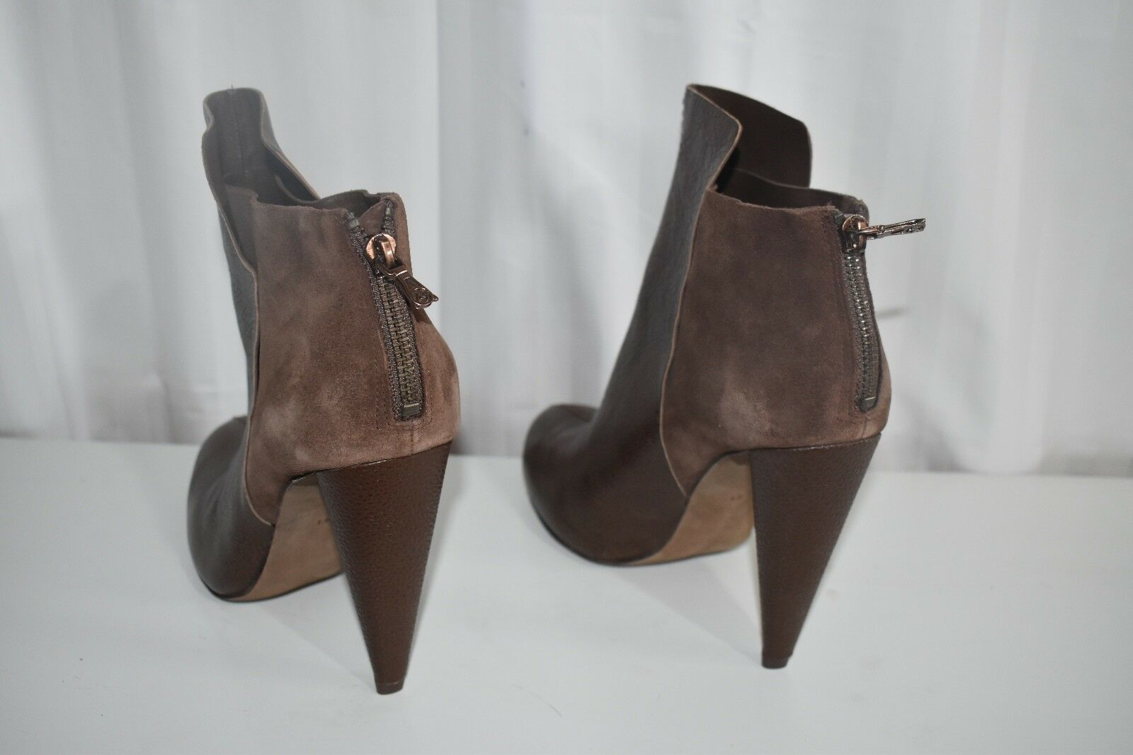 New BCBG MAX MAX MAX AZRIA RUNWAY brown suede leather  Ankle Boots - Size 40 Europe 90fa96