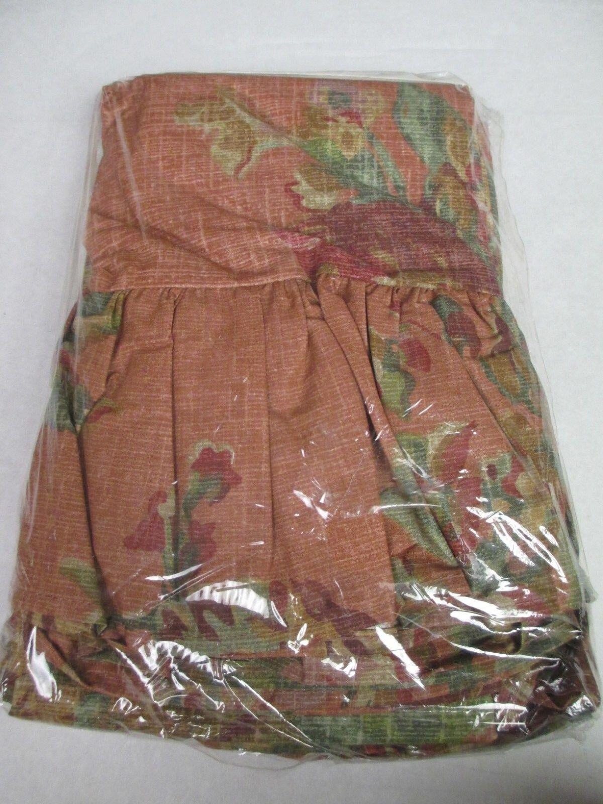 Ralph Lauren MAURA Floral 2 Ruffled Standard Pillowcases (Irregular)