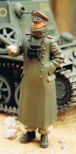 Figurine résine WOLF 1//35 Réf WW2 Soldat Allemand en manteau d/'apparat WAW36