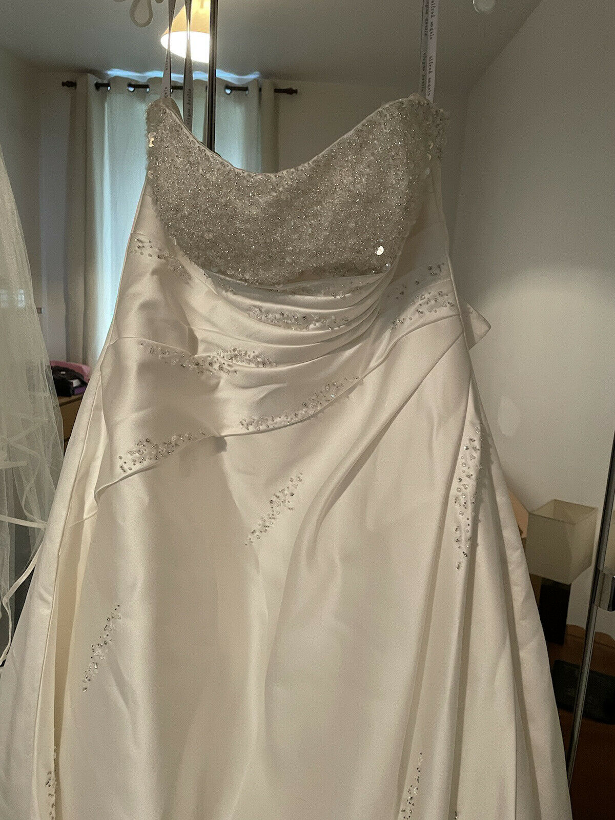alfred angelo wedding dress together With Vail Size UK 20 Altered to Size 18