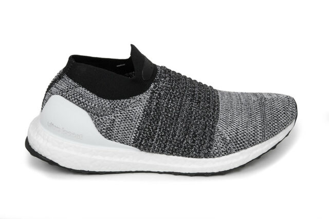 get cheap 1d6da 3c848 Adidas Originals Ultraboost Laceless in Flat White Core Black BB6141 Free  Ship