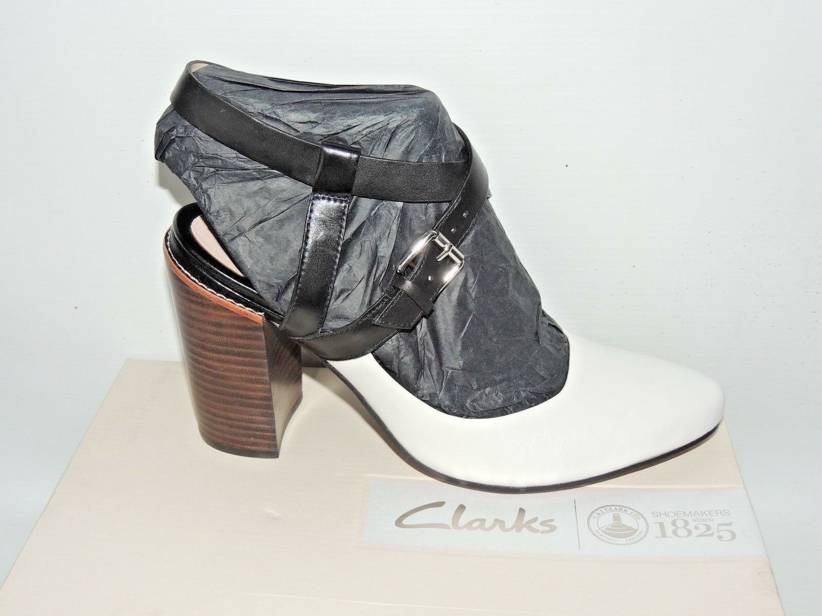 CLARKS CRUMBLE SPICE BLACK AND WHITE LEATHER SHOES. D FITTING. BNIB