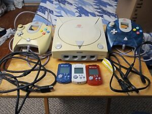 Sega Dreamcast System Controller and Game Lot (working)