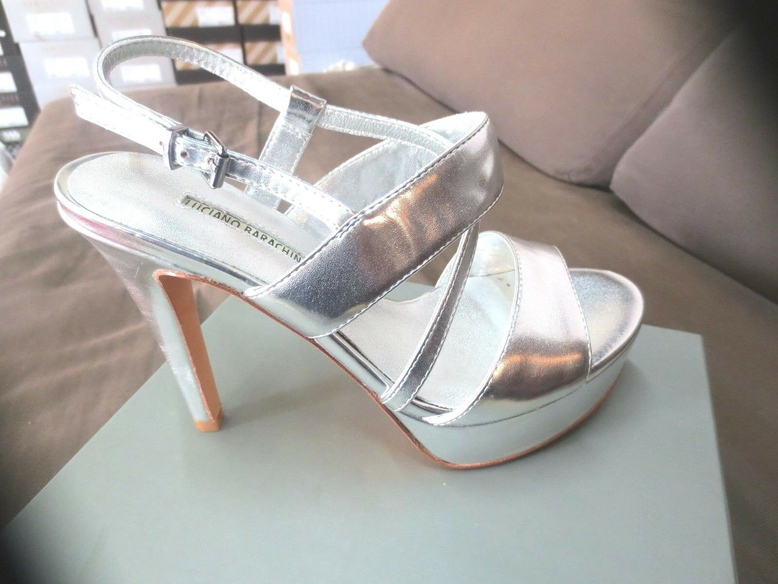Barachini silver leather sandal new 129a value size 36, 37,38, 39,40.