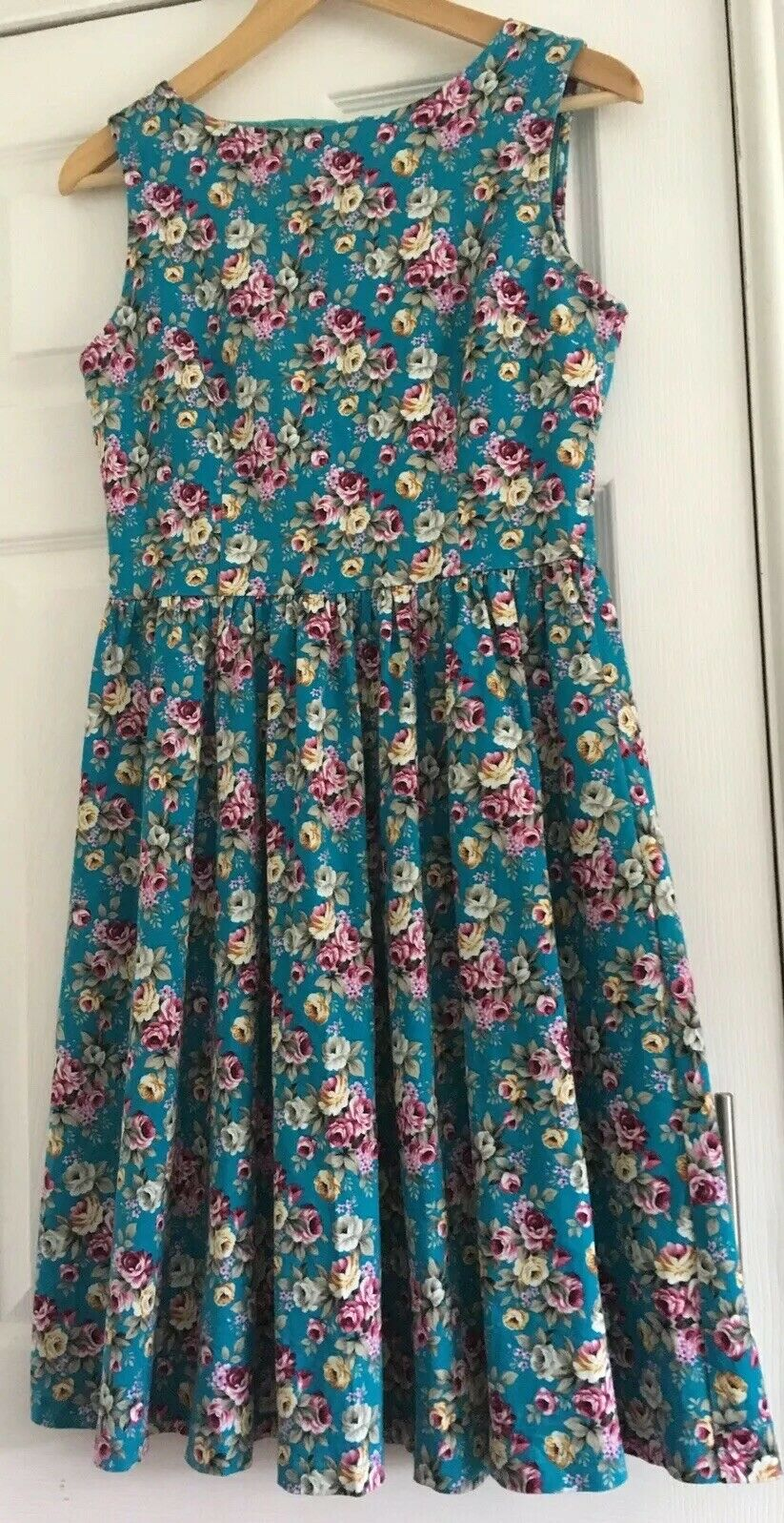 LINDY BOP Audrey 50's Swing Stretchy Turquoise Floral Dress Size UK12 Beautiful