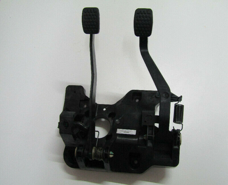 CHEVROLET SPARK COMPLETE CLUTCH AND BRAKE PEDAL