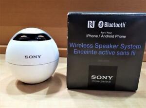Haut-Parleur Bluetooth SONY SRSBTV5 + chargeur *** Excellente Condition *** (a066076) Canada Preview
