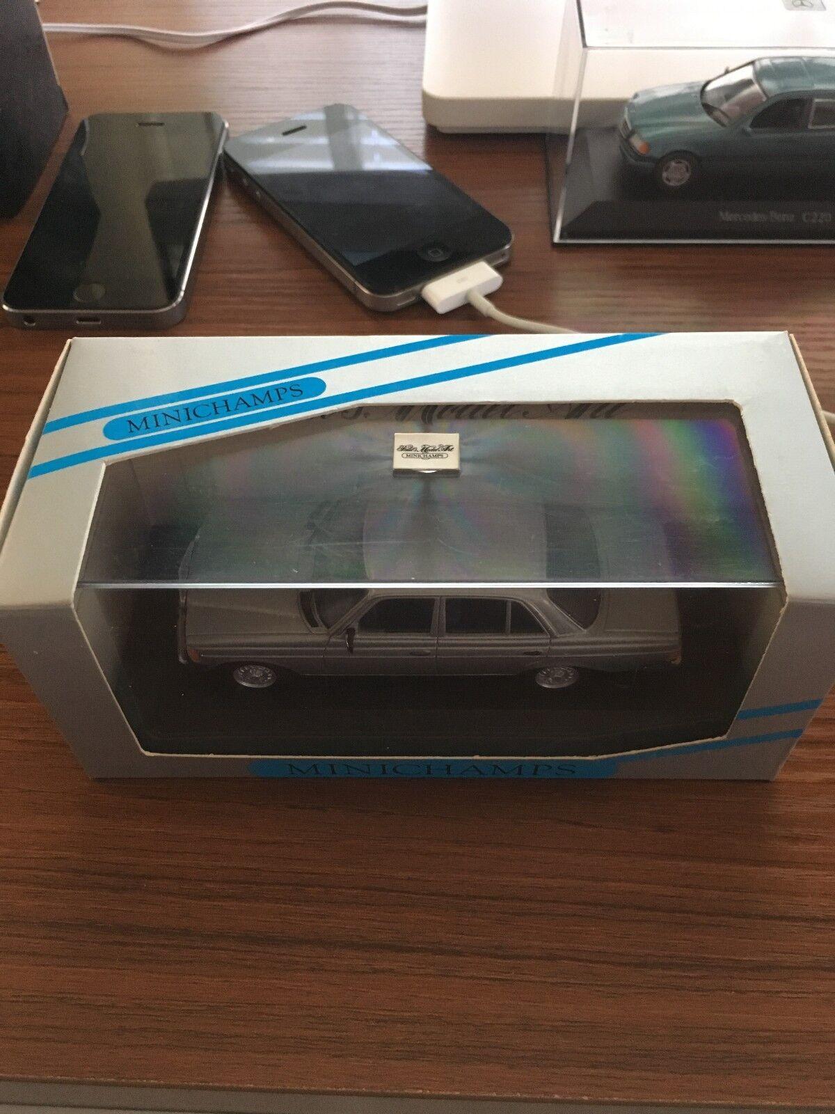MERCEDES-BENZ W123 LIMOUSINE 280 E argent 1976 Minichamps