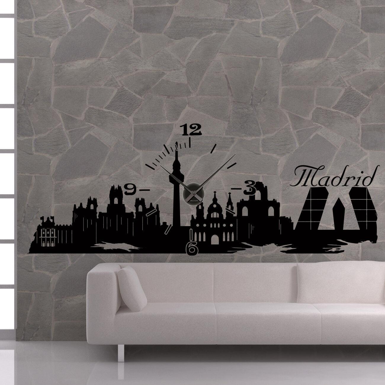 Wandtattoo Uhr KARLSSON Wanduhr Skyline Madrid +403+