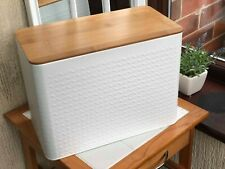 White Embossed Bread Bin Bamboo Effect Lid Bread Loaf Storage Crock Bin Tin Food & Kitchen Storage
