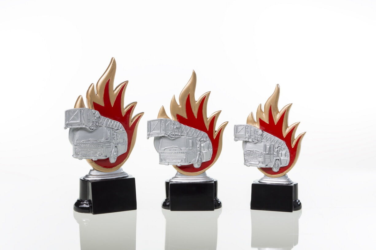 3 Pokale Figuren Figuren Figuren Feurwehr Feuerwehrauto mit Gravuren 7954de