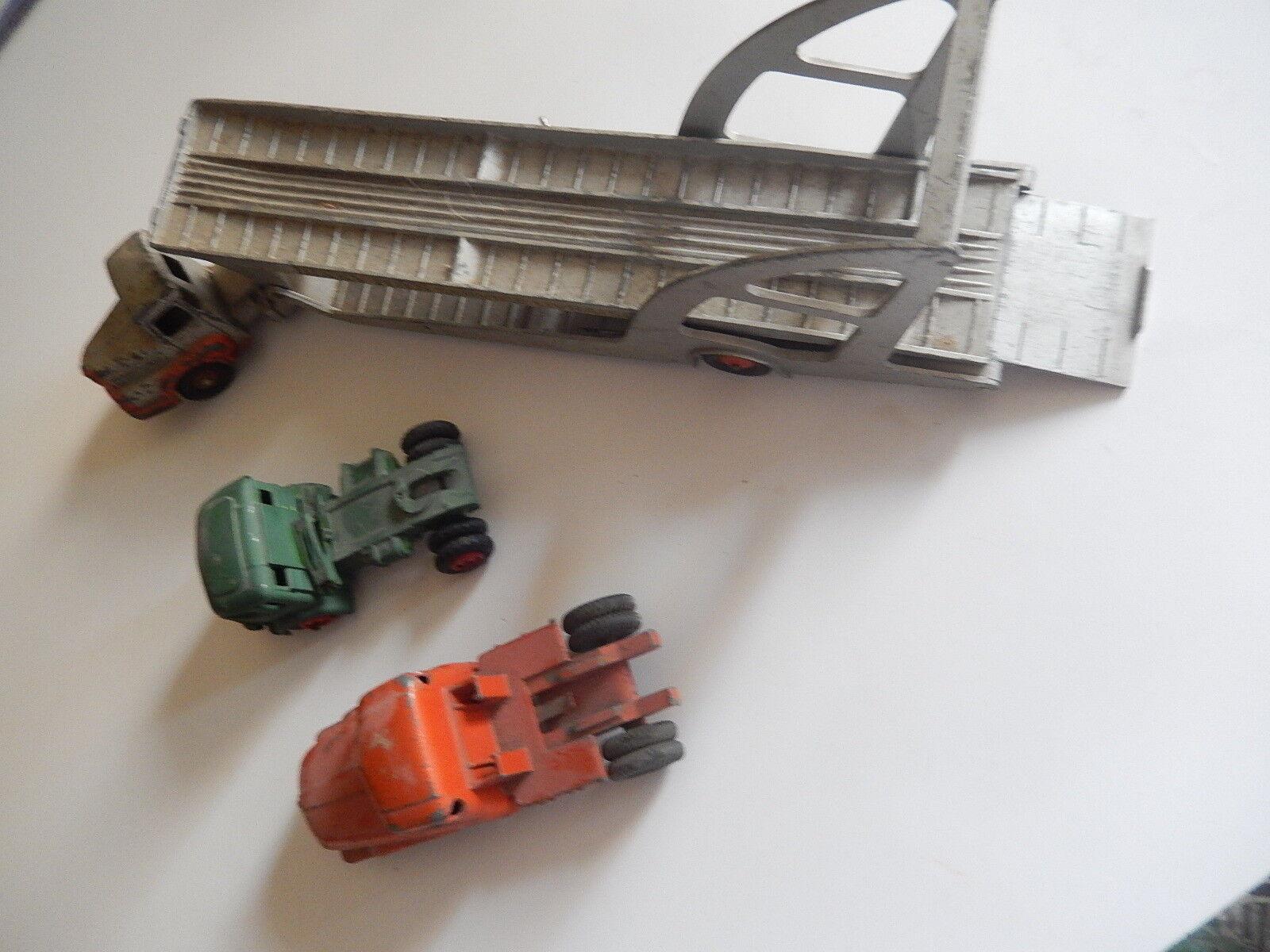 Lot 3 camions 2 dinky toys et 1 CIJ état correct