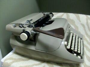 Large Vintage Mid-Century 1965 Royal Empress Manual Typewriter MCE 11-8265241