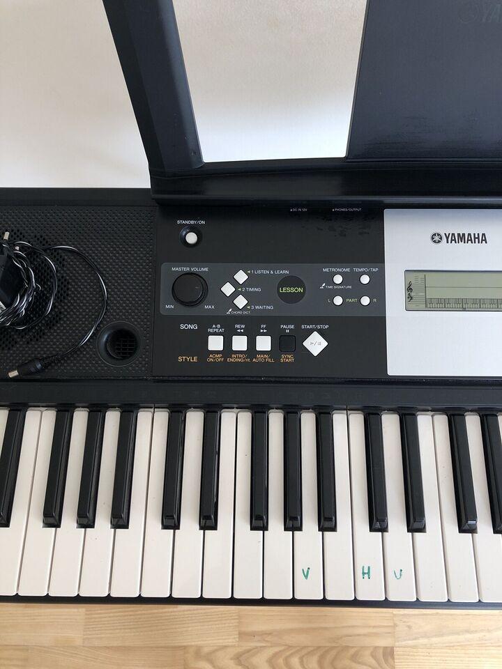 Keyboard, Yamaha E223