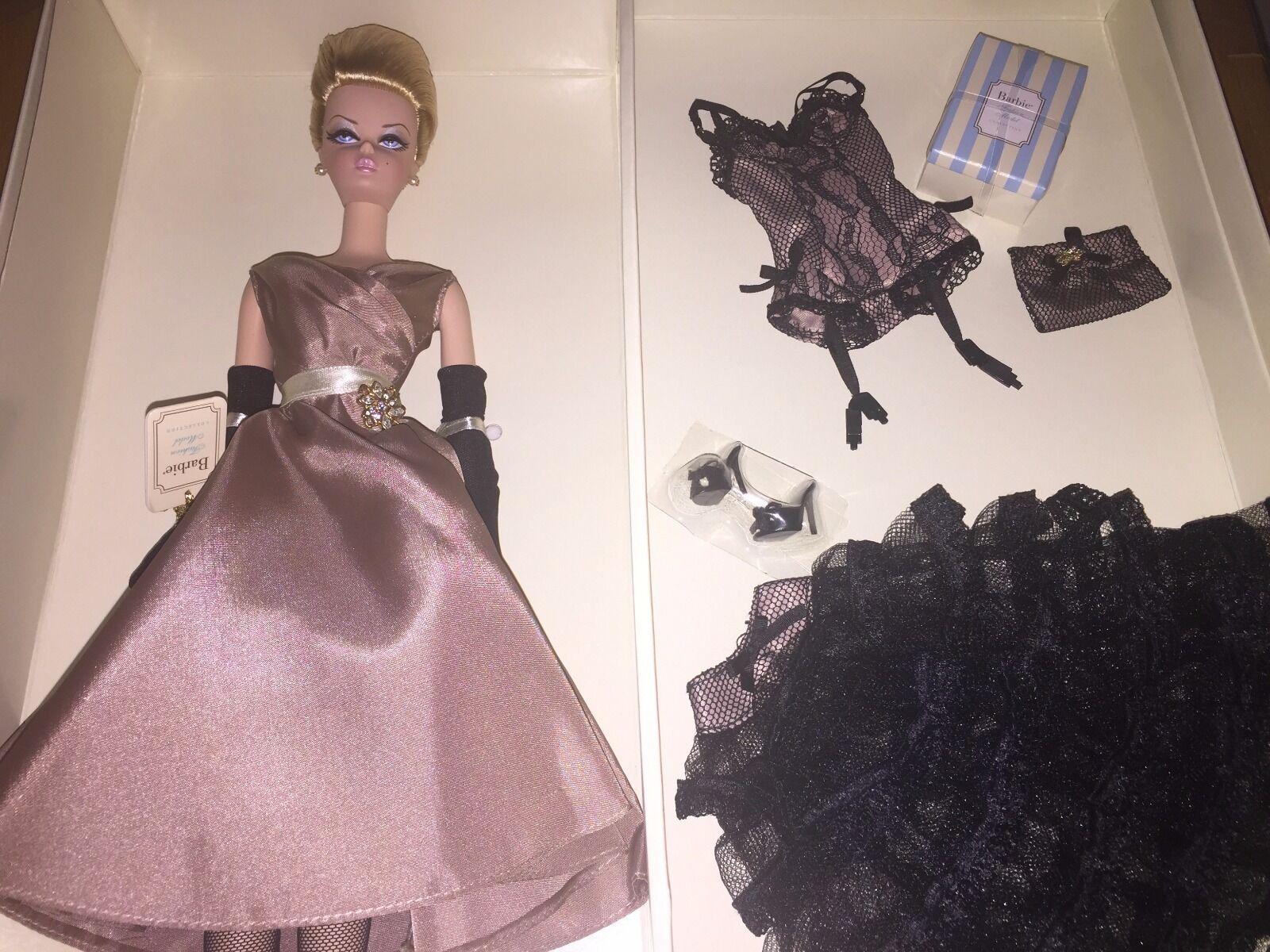 Alta Conjunto de regalo de té y Savories Modelo Silkstone en caja original oro Label Barbie de colector