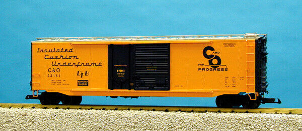 USA Trains G Scale 50 Ft Double Plug Steel Box Car R19306C Ches & Ohio - Yellow