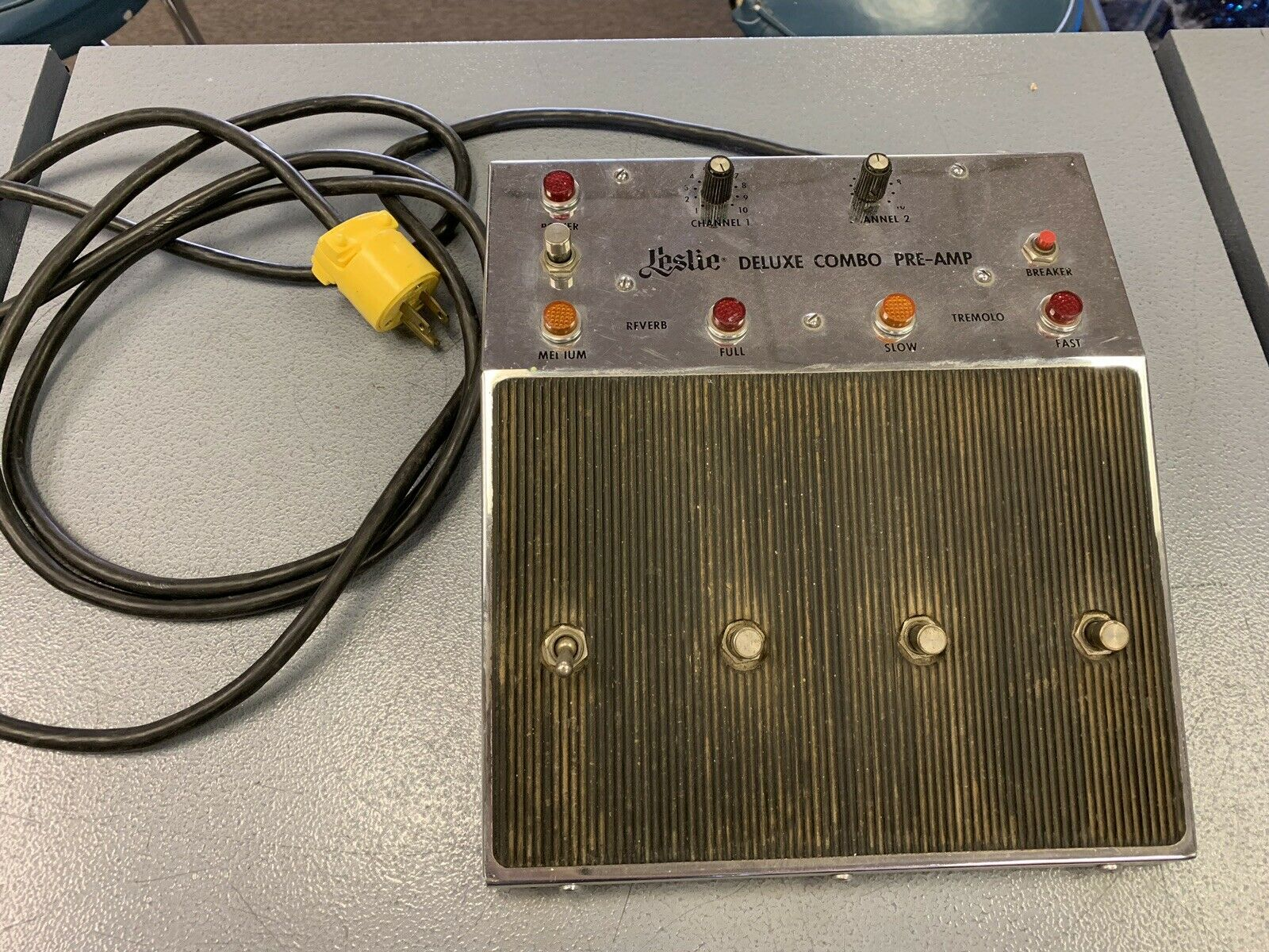 Vintage Electro Music LESLIE Deluxe Combo Pre-Amp Control Pedal Model 039420