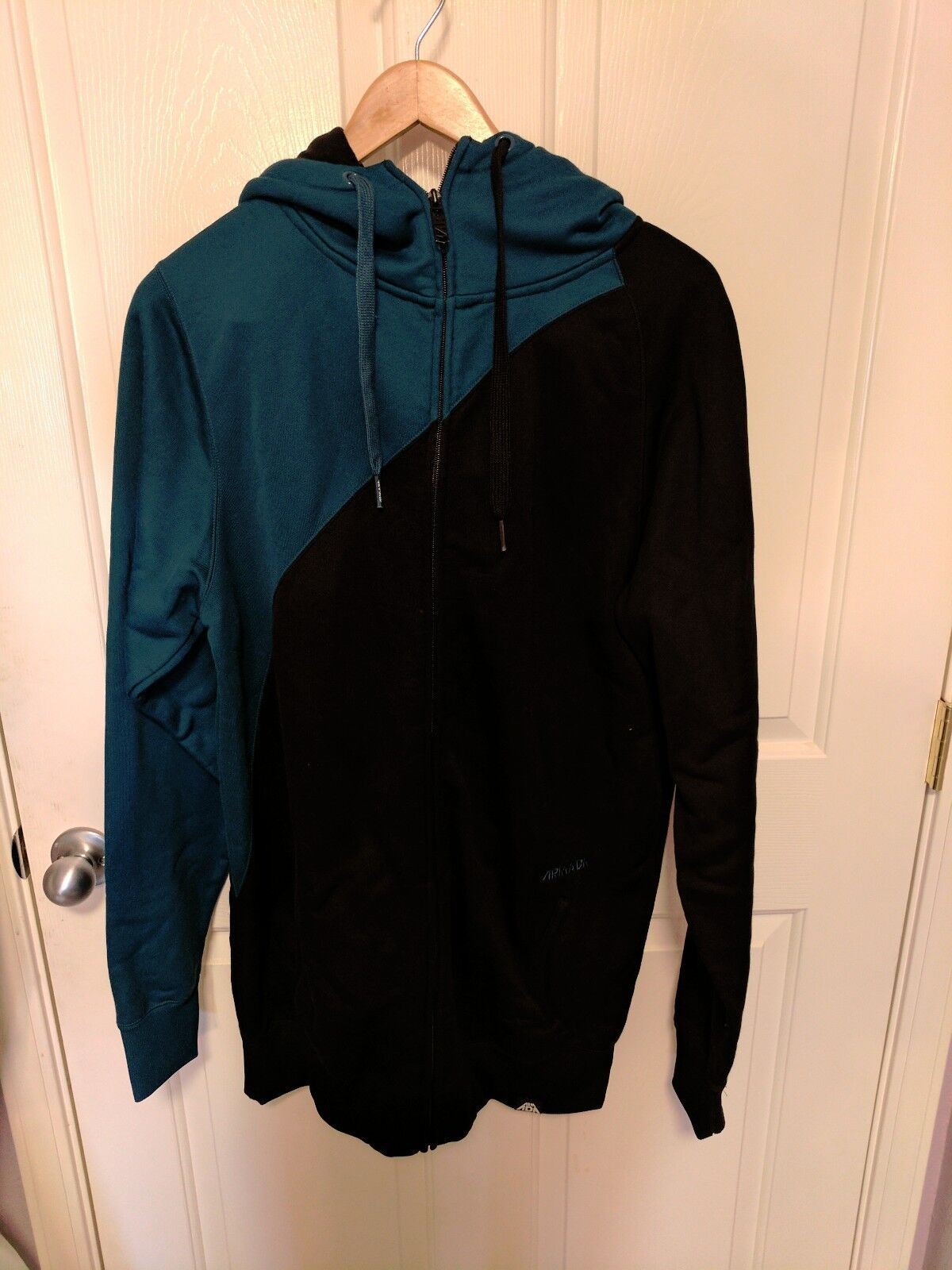Armada All In One Mid Layer Light Zipper w/ Hood  Large