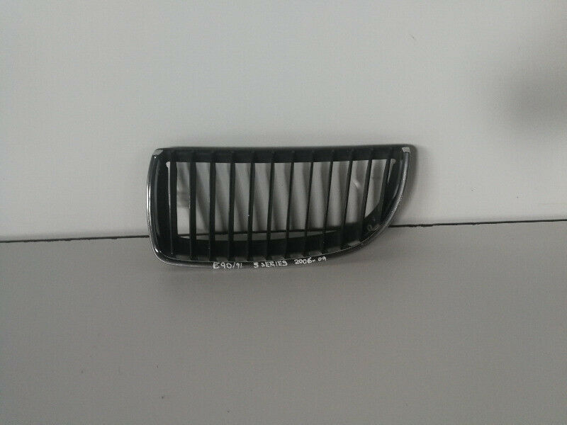 BMW E90 (Preface) Left Kidney Grill 2006-2010