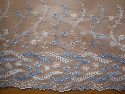 "Austrian Embroidered White Broderie Lace Trim Blue Rose 3.5/""//9cm PER METRE"
