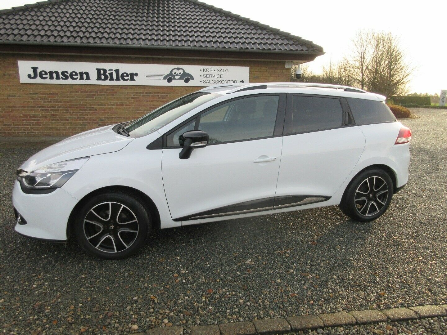 Renault Clio IV 0,9 TCe 90 Expression ST 5d - 79.200 kr.
