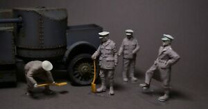 WWI British Crew Armored Car Lanchester Rolls-Royce 1/35 Resin Copper State MENG