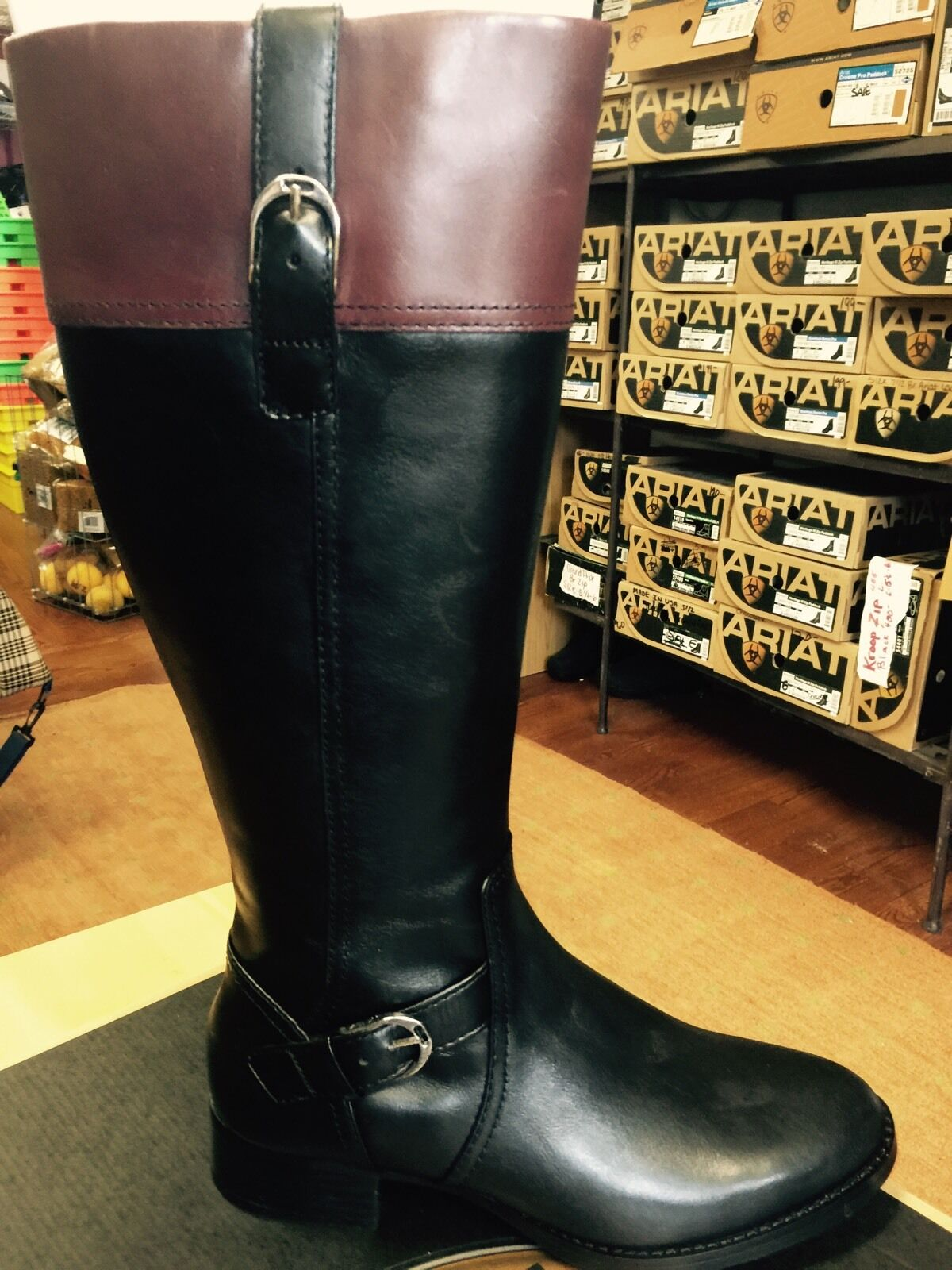 New Ariat Tall Leather Equestrian Style Boot Boot Boot Size 8 Regular Calf Width e2bc1a
