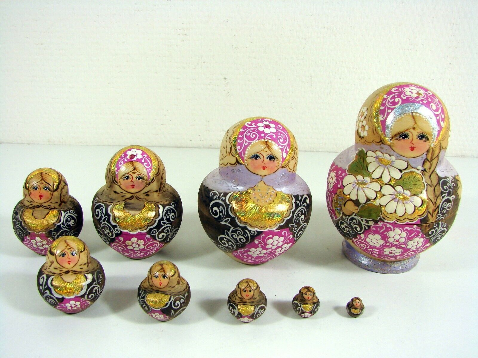 Matrioshka Russian Vintage Authentic 9pcs Hand painted Dolls Gold Silber Signed