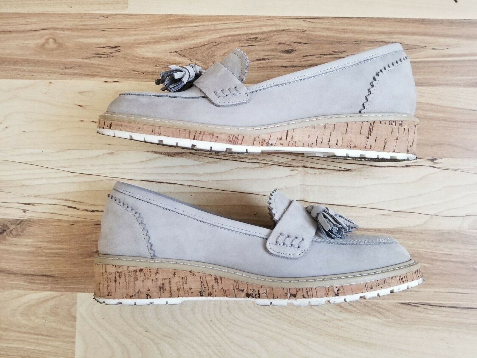 Barneys new york york york Grey Nubuck Loafers Women Size 5 Very Good Condition 71547e