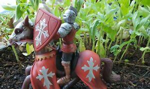 figurine-chevalier-cavalier-moyen-age-sur-son-cheval-templiers