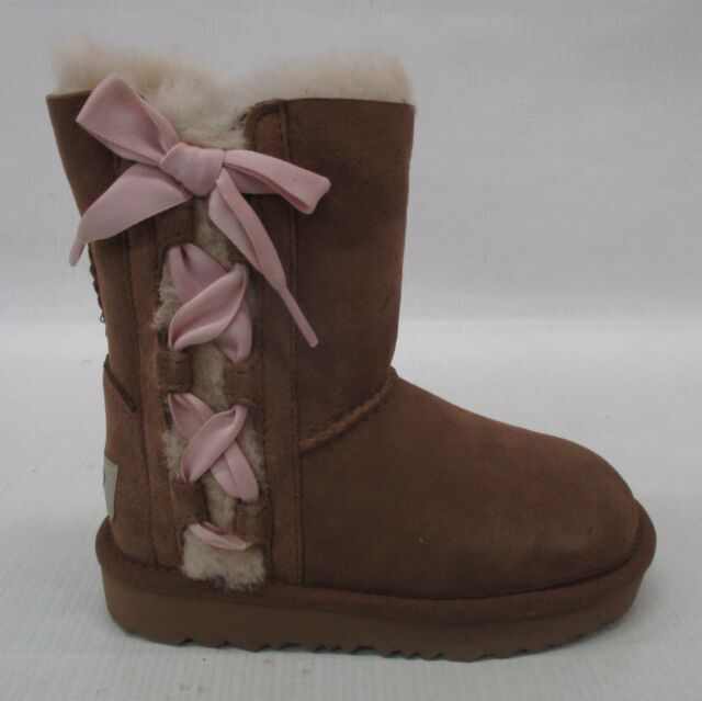 c0eac659ab6 Details about UGG Toddler Pala Classic Novelty Bow Boots 1017737T Chestnut  Size 8