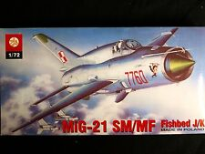 MIG-21 SM/MF FISHBED J/K FAMOUS RUSSIAN COLD WAR FIGTHER,ZTS PLASTYK, SCALE 1/72