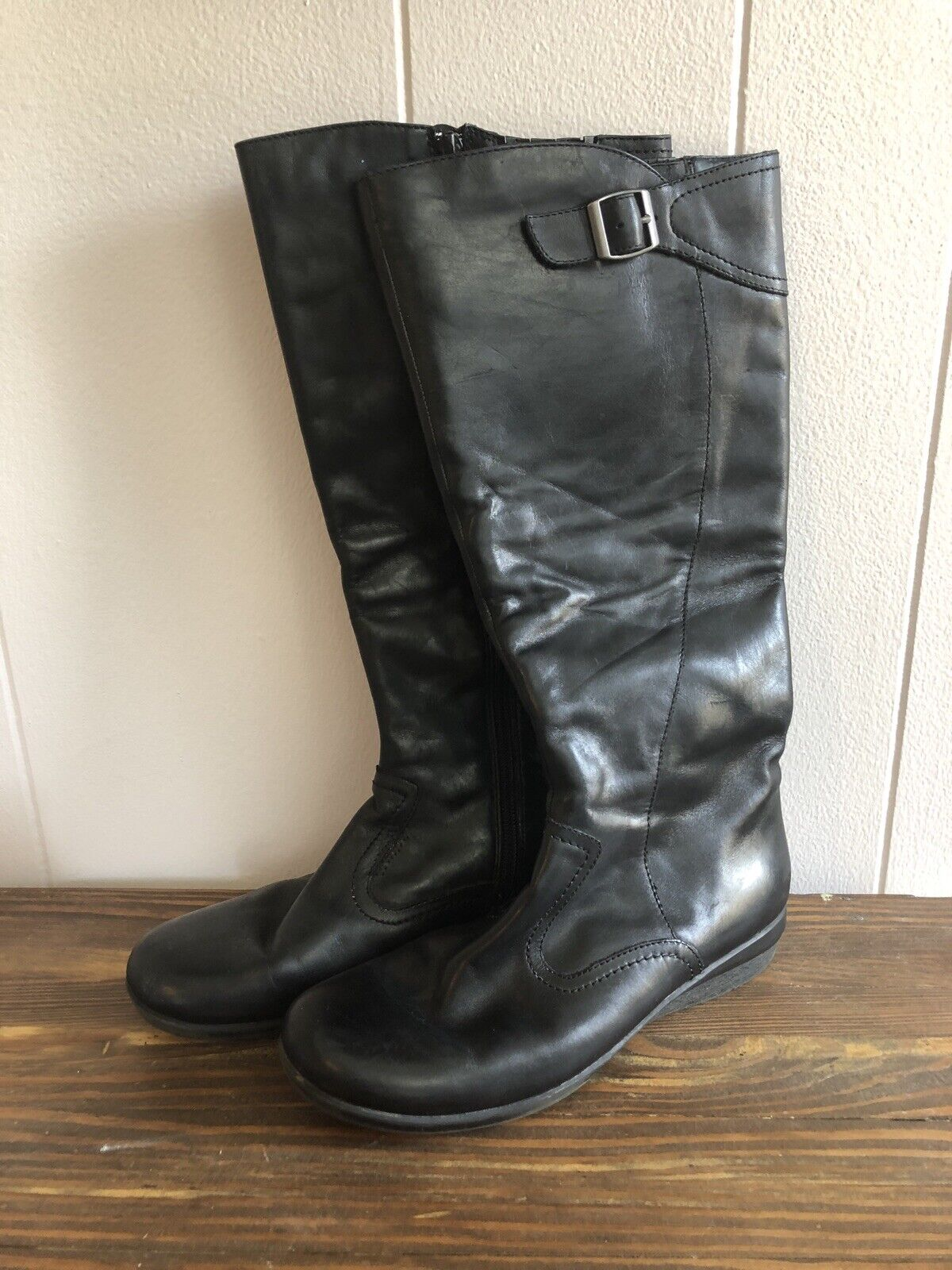 Clarks Clarks Clarks Womens 8 Knee High Side Zip Black Leather Boots 1  tall heel 96938a