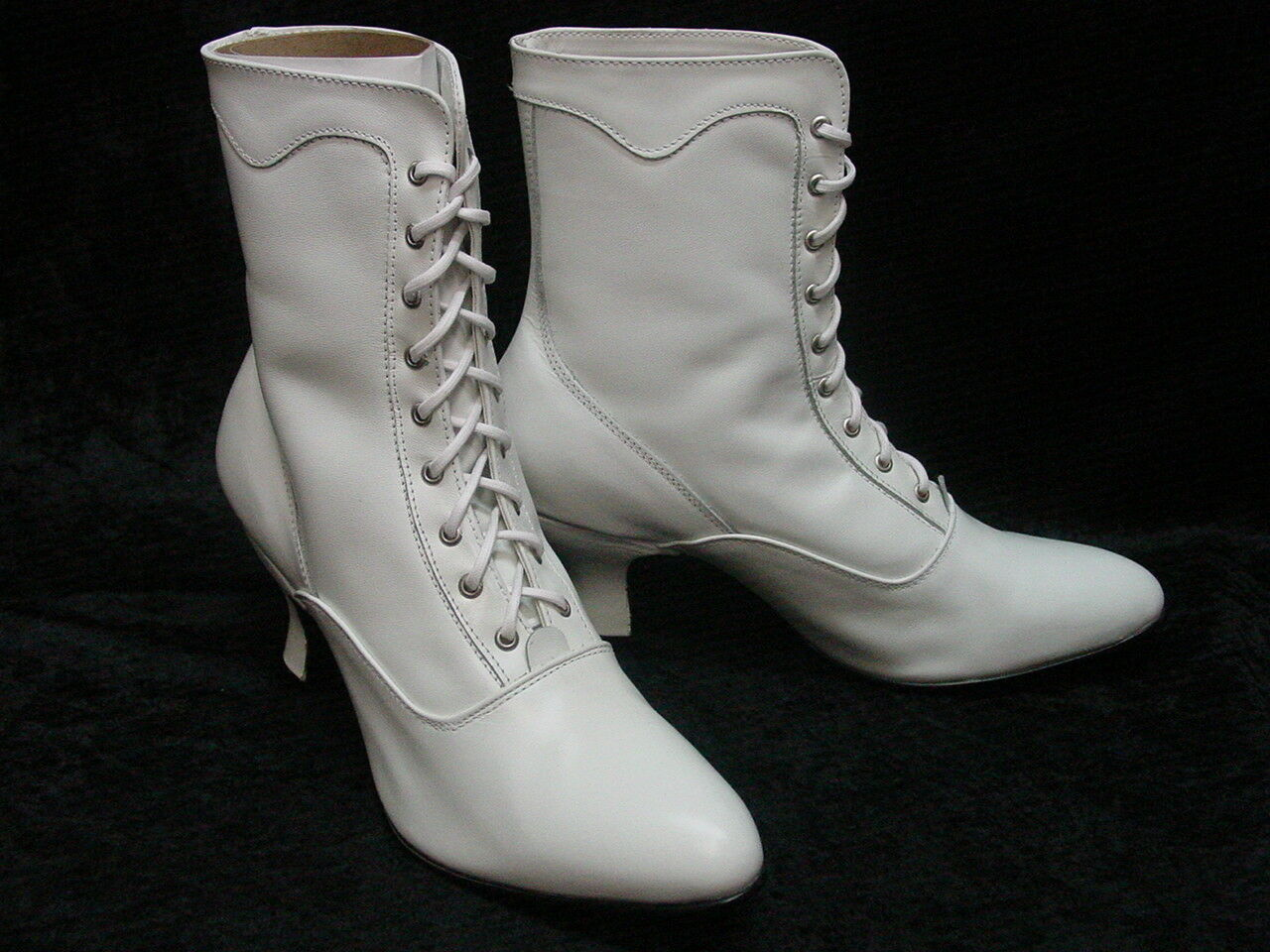 White Oak Tree Farms Veil Victorian Wedding lace up Granny boots size 9.5 NEW