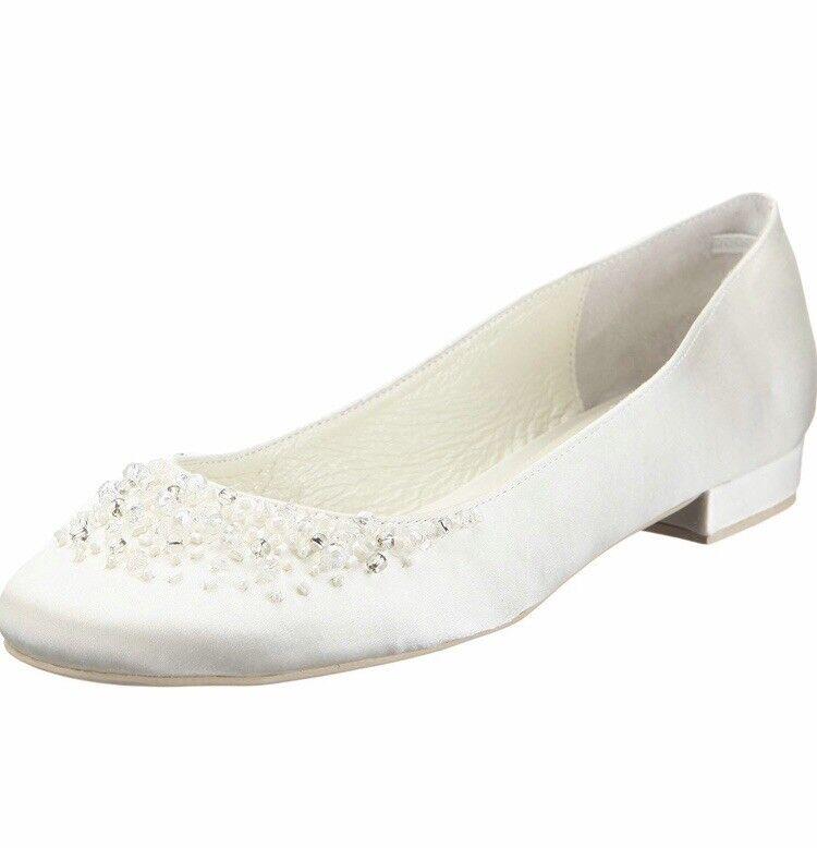 Menbur Carmichael Ivory Wedding Ballerina Flats With Rhinestone Detail Size 39