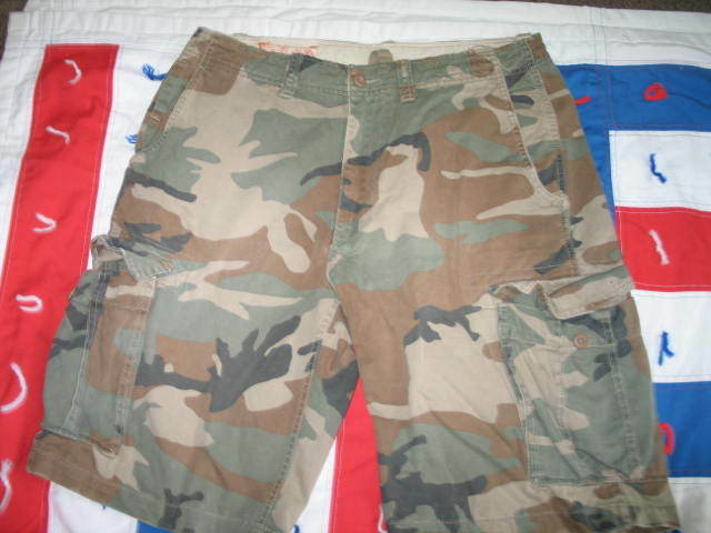 Men's American Eagle Outfitters Camo, Camouflage Cargo Shorts Army Green W 32