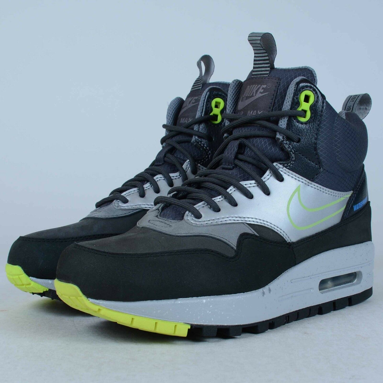 NIKE WOMENS AIR MAX 1 MID SNEAKERBOOT WP BLACK VOLT 685269 002 SZ 5.5 DEFECT