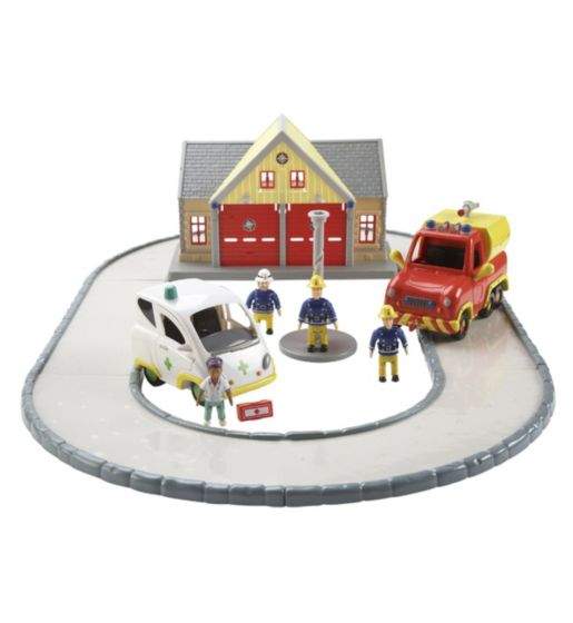 Fireman Sam Rescue Playset with vehicles & 4 figures - Brand New & Boxed