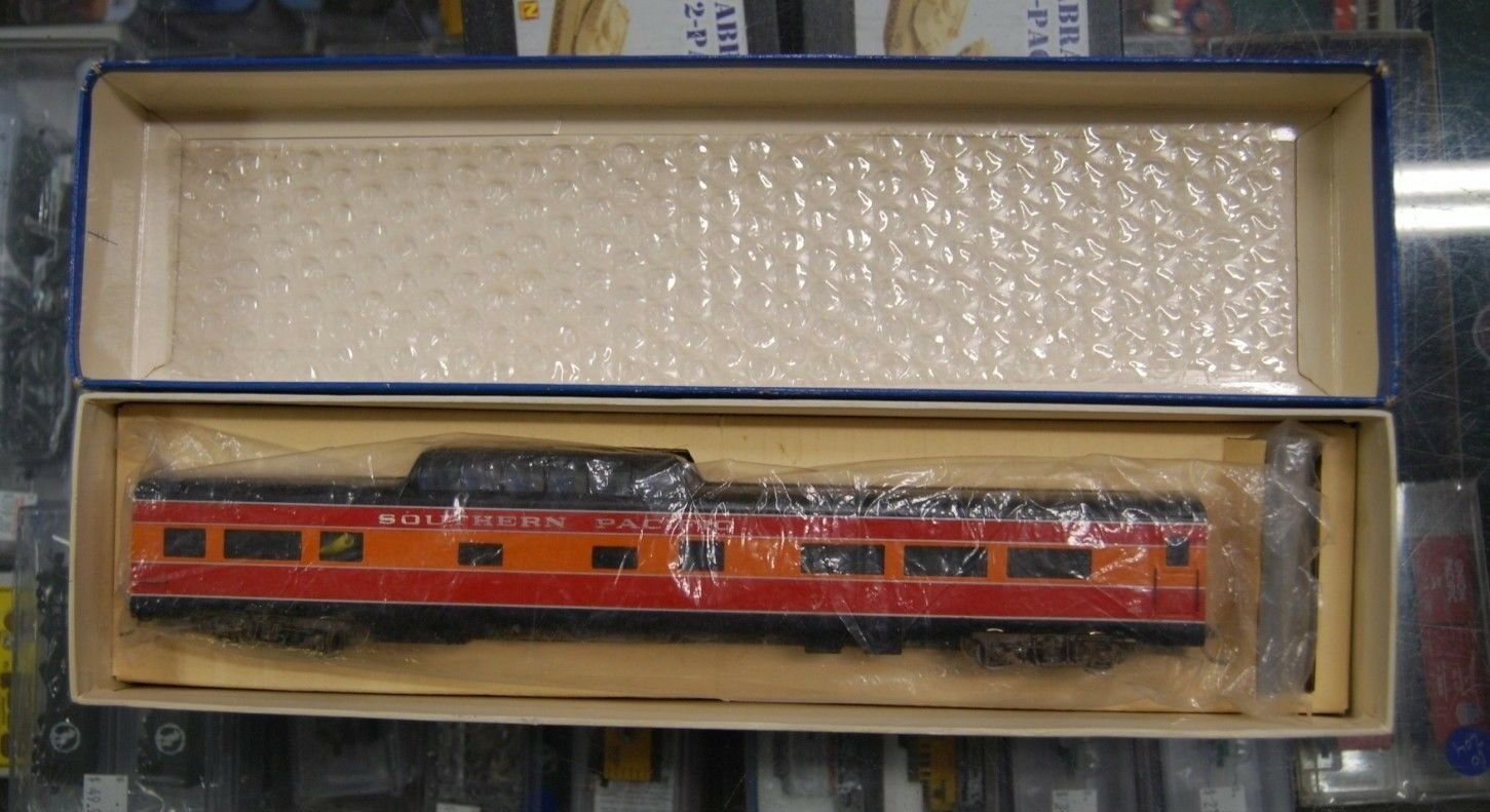 Lot 12-19  HO Scale Balboa Brass No. 514   Daylight  Vista Dome, Painted