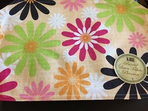 Better Home Reversible Bright BOLD Flower Retro Power Fabric Placemats Set 4 NEW