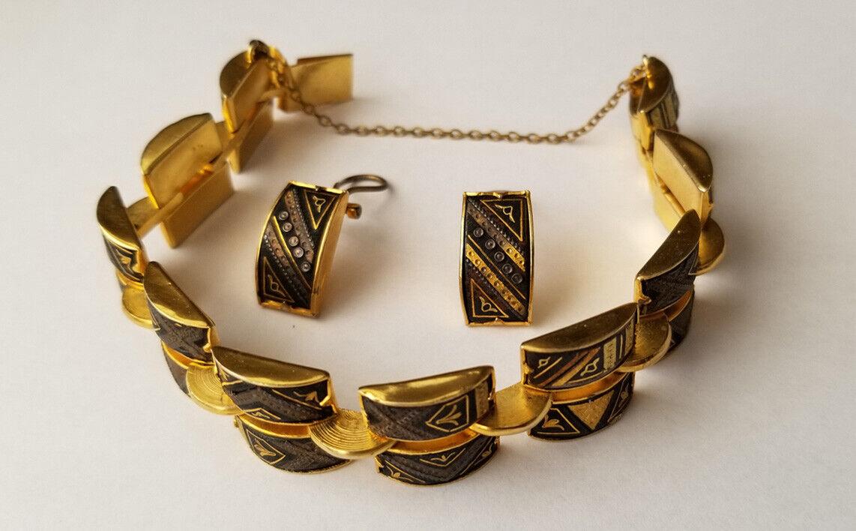 Mid Century 1950s 50s Birds and Flowers Damascene Vintage Hinged Bangle Bracelet