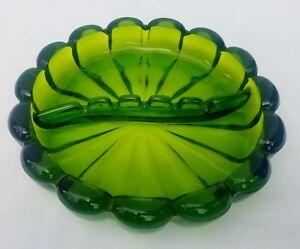 8-034-Vintage-Viking-Art-Glass-Ashtray-Green-Mid-Century-Ribbed-Scalloped