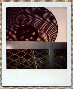 SOLARISTIK-PHOTO-POLAROID-ORIGINALE-CITE-PARASOL-METAL-ROUGE