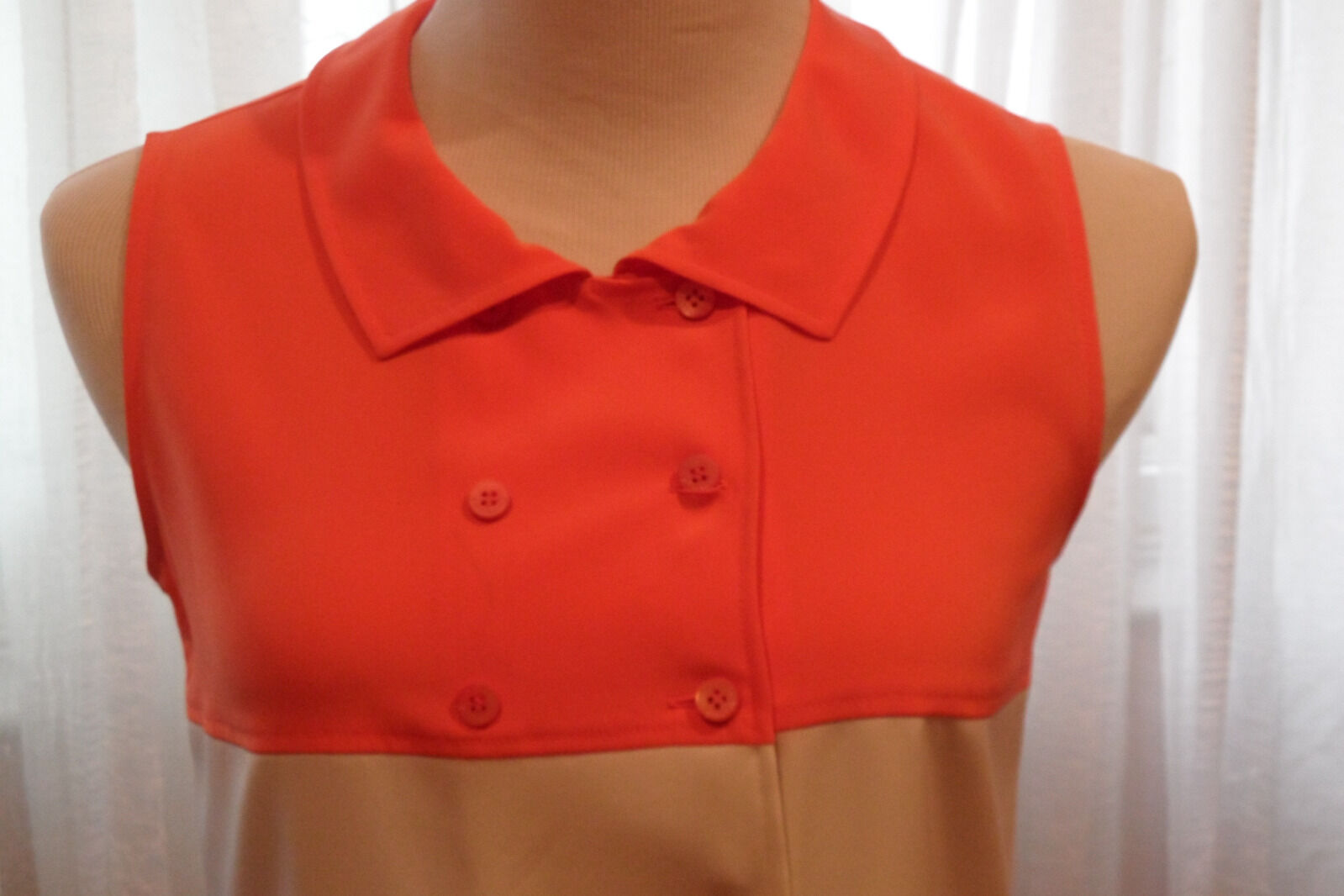 LOUIS FERAUD BUTTON DOWN GREAT LOOKING LADIES TOP PERFECT FOR ALL OCCASIONS