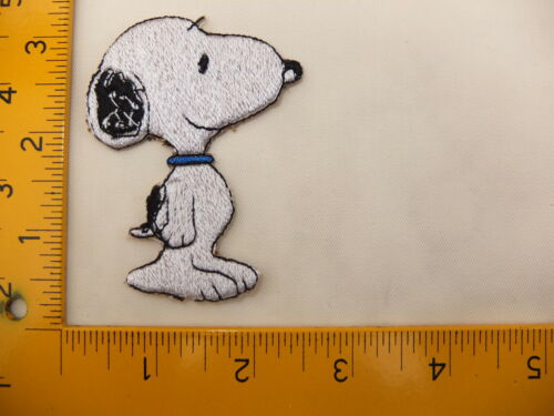 EMBROIDERED Peanuts Snoopy  #29 Iron On Sew On Patch