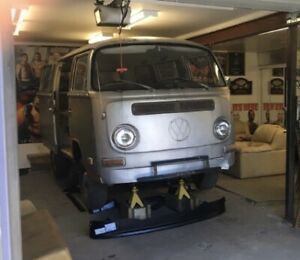 Volkswagen Type 2 VW Bus, Westfalia, Vanagon, Transporter
