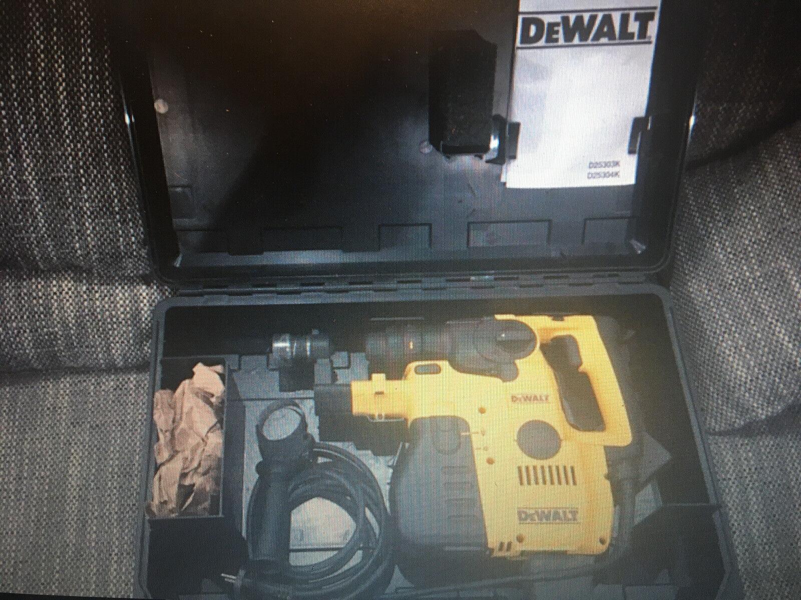 Dewalt d 25305 k Kombibohrhammer mit Staubabsaugung 710W, D 25304 + D 25300