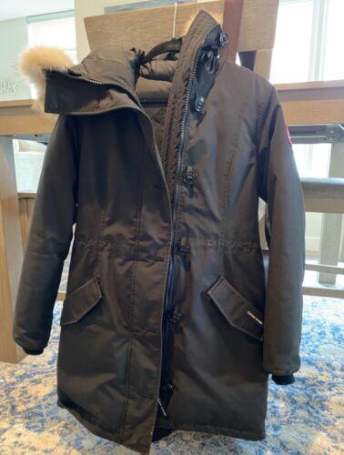 canada goose jacket women medium